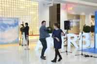 Рамиль Бадамшин и Евгения Сафина на открытии галереи проекта «Любимые художники Башкирии» в ТРЦ «Планета»
