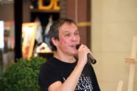 Илья Тавлияров на открытии галереи проекта «Любимые художники Башкирии» в ТРЦ «Планета»
