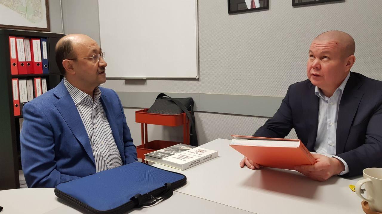 Депутат городского совета Артур Хазигалеев поддерживает проект «Любимые художники Башкирии»