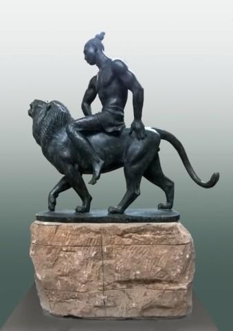 «Урал-Батыр», Радик Хусаинов, 2016, бронза, камень, 62 см 9724