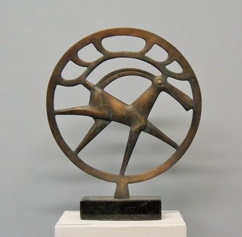 «Колесо времени», Радик Хусаинов, 2012, бронза, гранит, 42 см