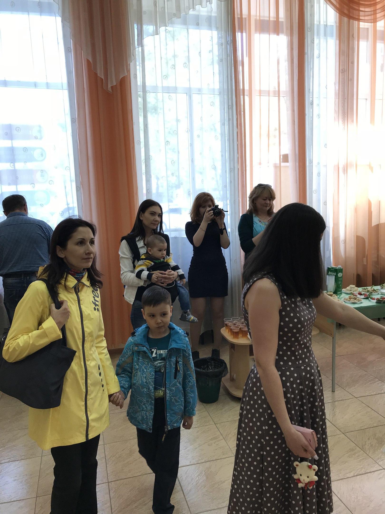 «Живые краски»: открытие персональной выставки башкирской художницы Эльвиры Шангареевой