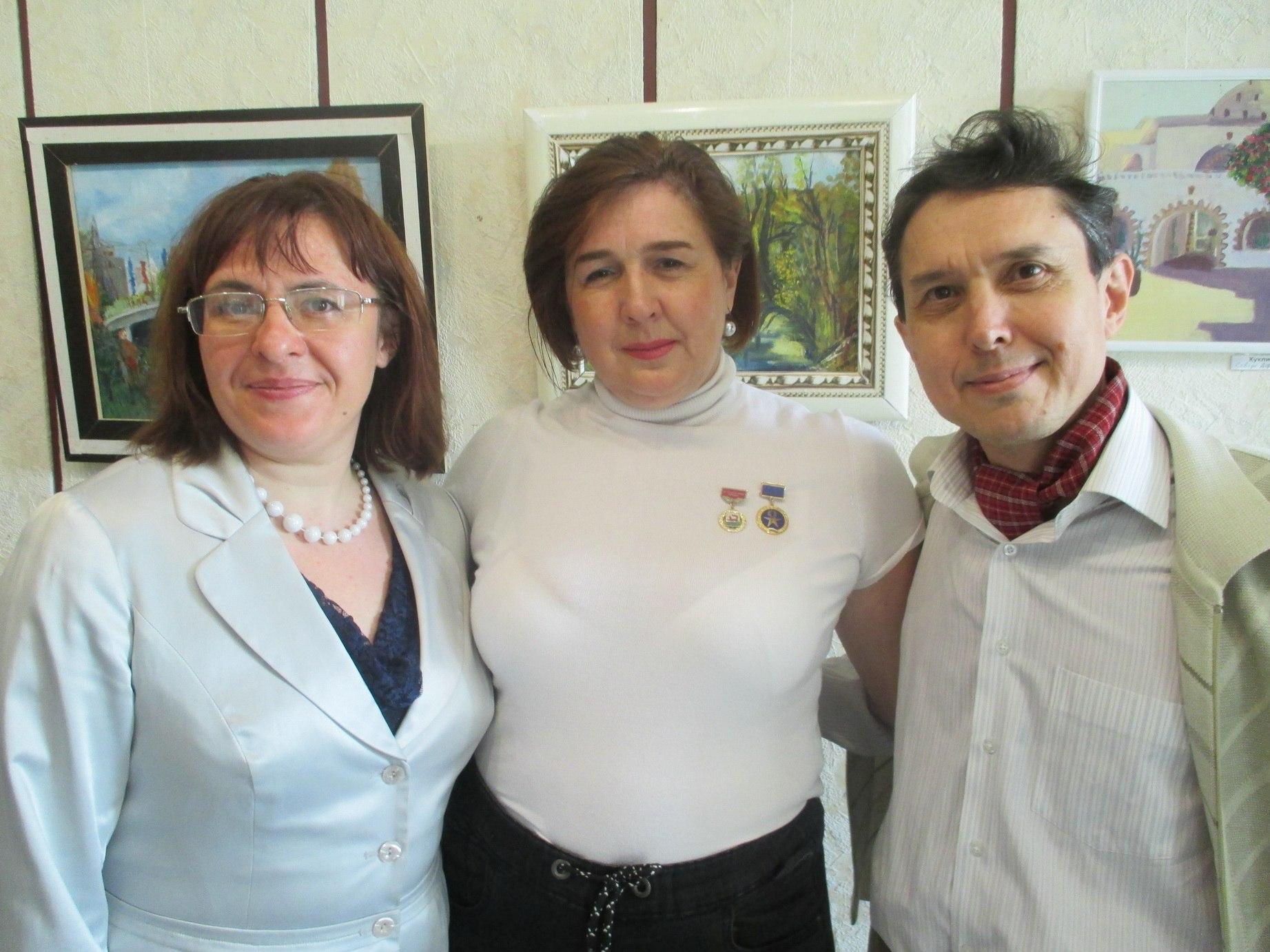Открытие художественной выставки «Две сестры»: Юлия Куклина и Алина Михайлова представили свои работы