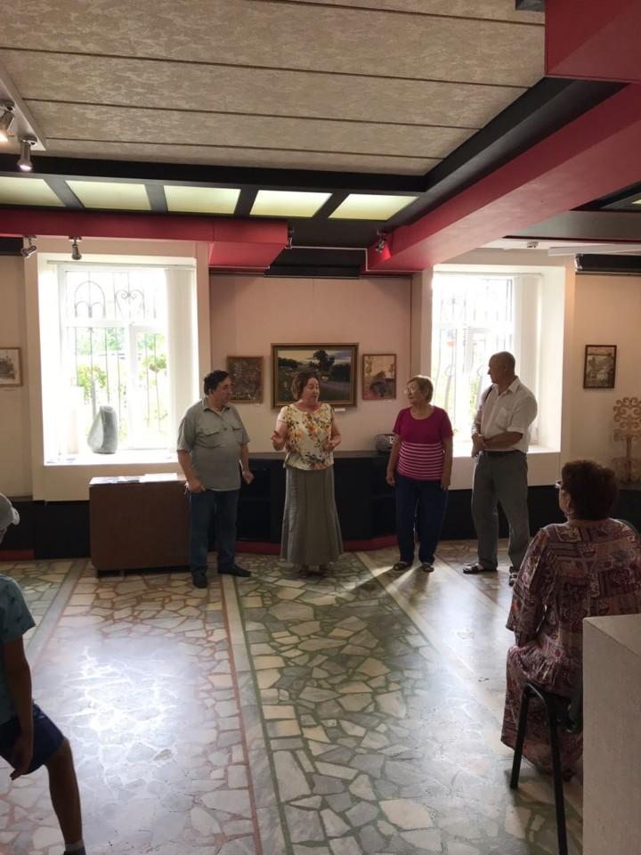 В галерее «Урал» открылась выставка работ художников из Бижбулякского района