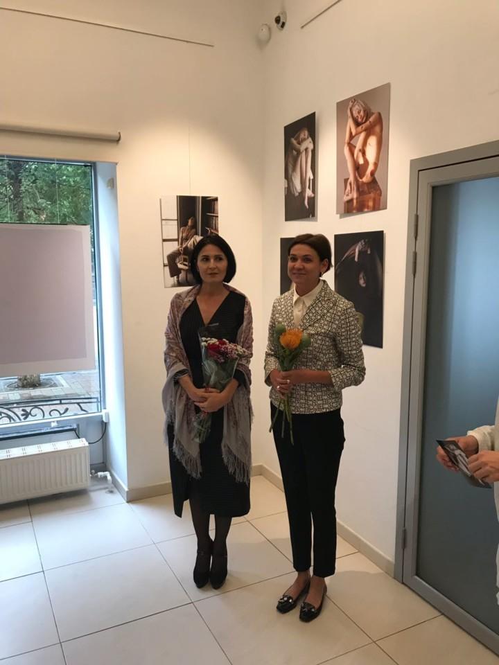 «Оголенные» Сауле Халиуллиной: открытие фотовыставки в галерее «Мирас»