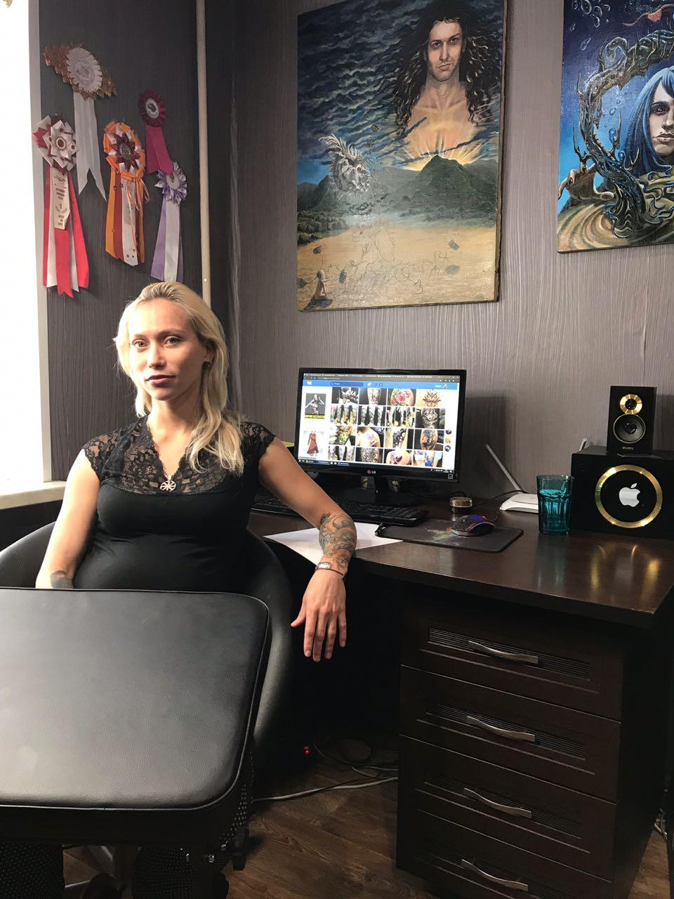 Художник и тату-мастер Алина Фокина