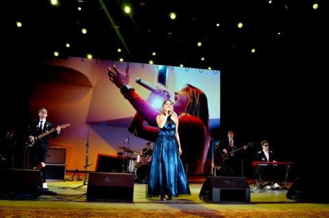 На сцене Евгения Сафина – Церемония награждения победителей народного рейтинга проекта «Любимые Художники Башкирии» за 2018 год!