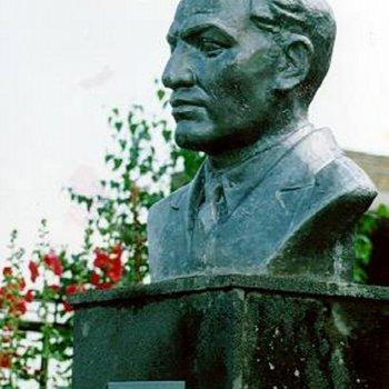 «Монумент Карима Хакимова», Александр Шутов