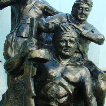 «Памятник медработникам участникам ВОВ», Фаниль Муслимов