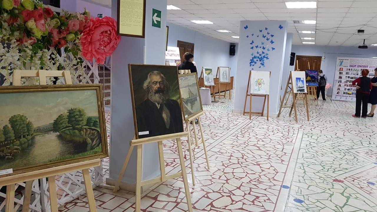 Художественный тур проекта №50 – творческая встреча с художниками в Белокатайском районе!