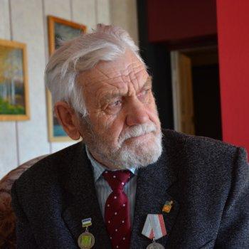 «Портрет художника Г. Топольникова», Раиль Мусин
