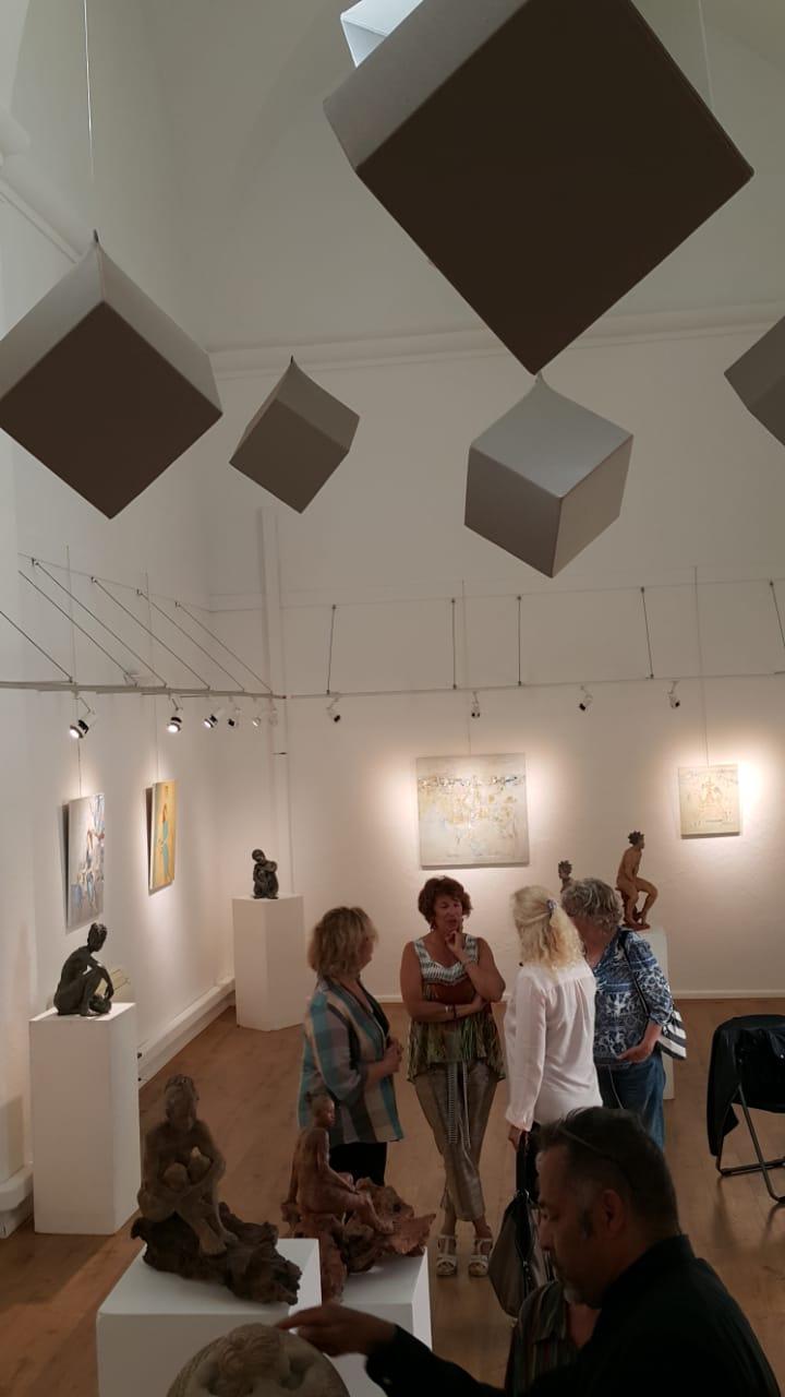 Персональная выставка Расиха Ахметвалиева в городе Котиньяк (Франция)