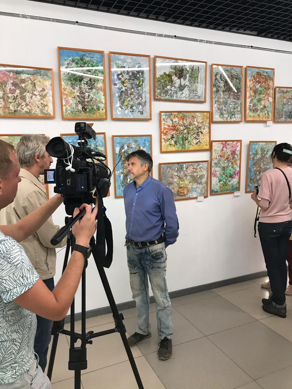 Открытие выставки «Мгновения, остановленные художником»