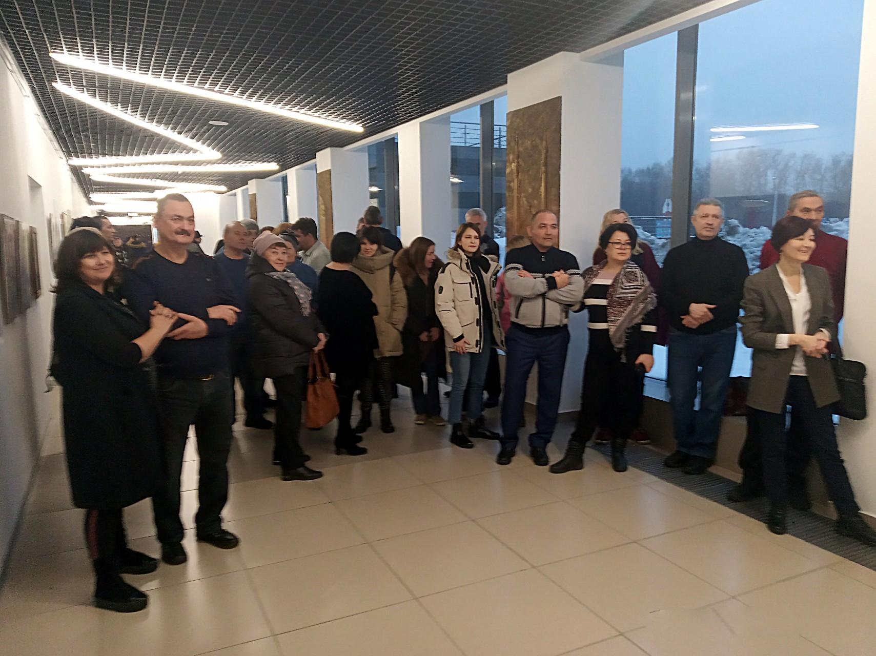 Открытие выставки юбилейной выставки «Верю. Люблю. Наде. Жду...» и концерт группы «Гагарин»