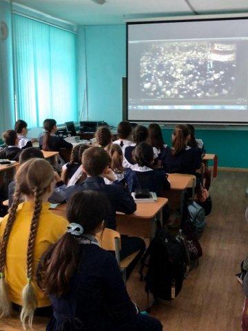 «Культурный час» для учеников Башкирского лицея № 48: Показ фильма телеканала UTV об истории башкирской живописи
