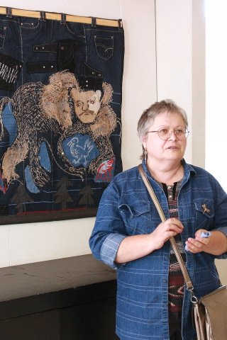 «О вечных ценностях» в галерее «Урал»: открытие выставки к Единому дню фольклора в России