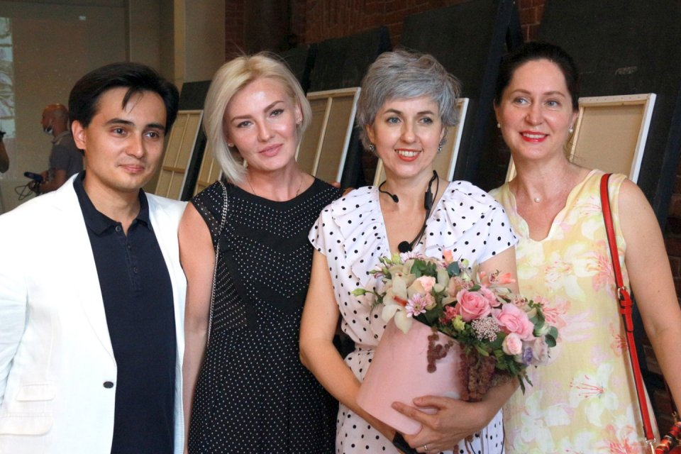 «Я есть семь» в «Арт-Квадрате»: презентация новой серии картин Раушании Бадретдиновой
