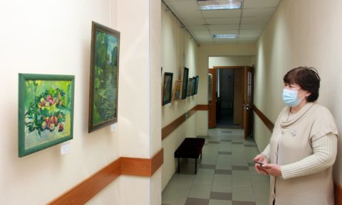 «Освещенные солнцем»: открытие персональной выставки живописи Татьяны Красновой