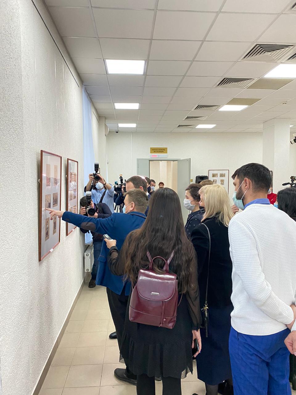 «Уфа гуляем»: открытие персональной выставки карикатуриста Камиля Бузыкаева