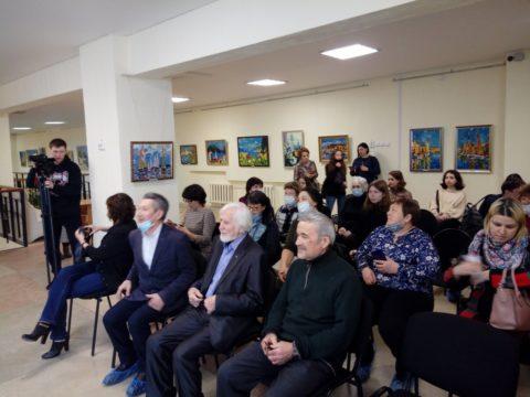 «Цвет странствий»: открытие передвижного проекта художника Александра Заярнюка в галерее «Мирас» в Нефтекамске