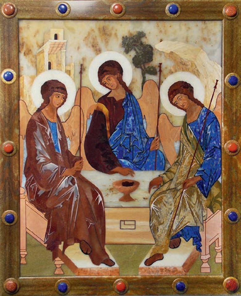 Икона «Пресвятая троица», Надежда Бесклеткина, 2017, флорентийская мозаика (яшма, лазурит, мрамор, тигровый глаз)