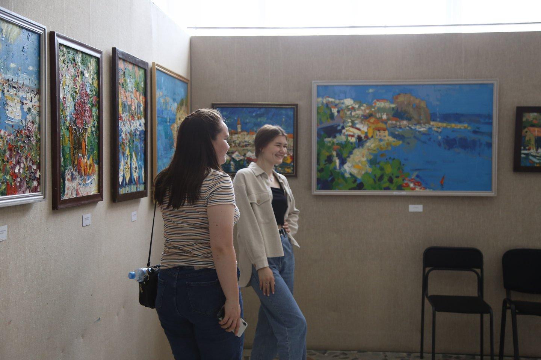«Цвет странствий»: передвижная персональная выставка художника Александра Заярнюка в Бирске