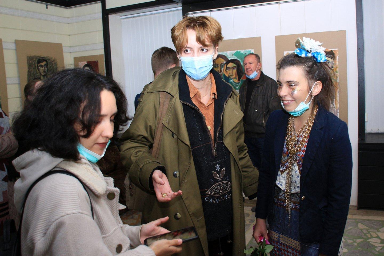 «Мои современники»: персональная выставка уфимского художника Алсу Диваевой в галерее «Урал»